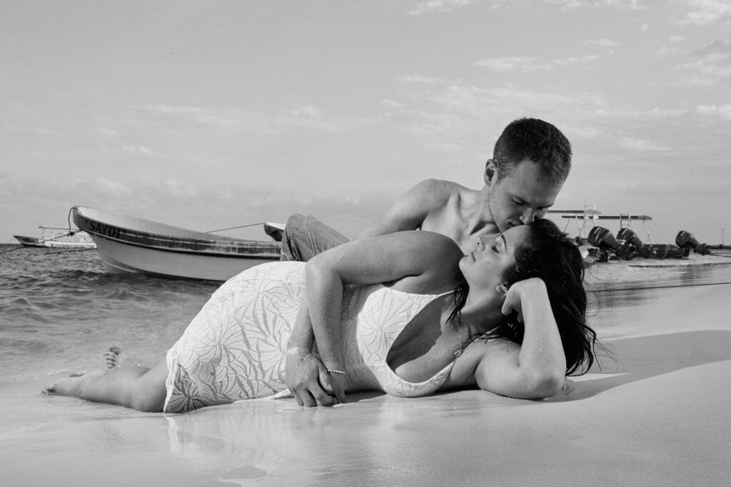 Puerto Morelos Beach Session - Jocelyn and Matthew